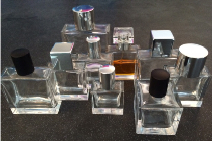 Lids for snap-on spray perfume bottles